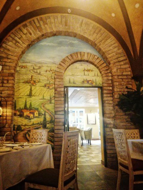 Tuscany Courtyard - Interior