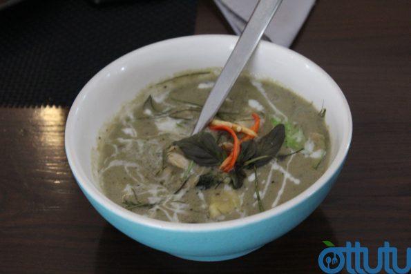 Thai Green Curry - Fuchsia Kitchen