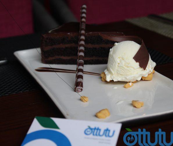 Fudge Cake - Fuchsia Kitchen