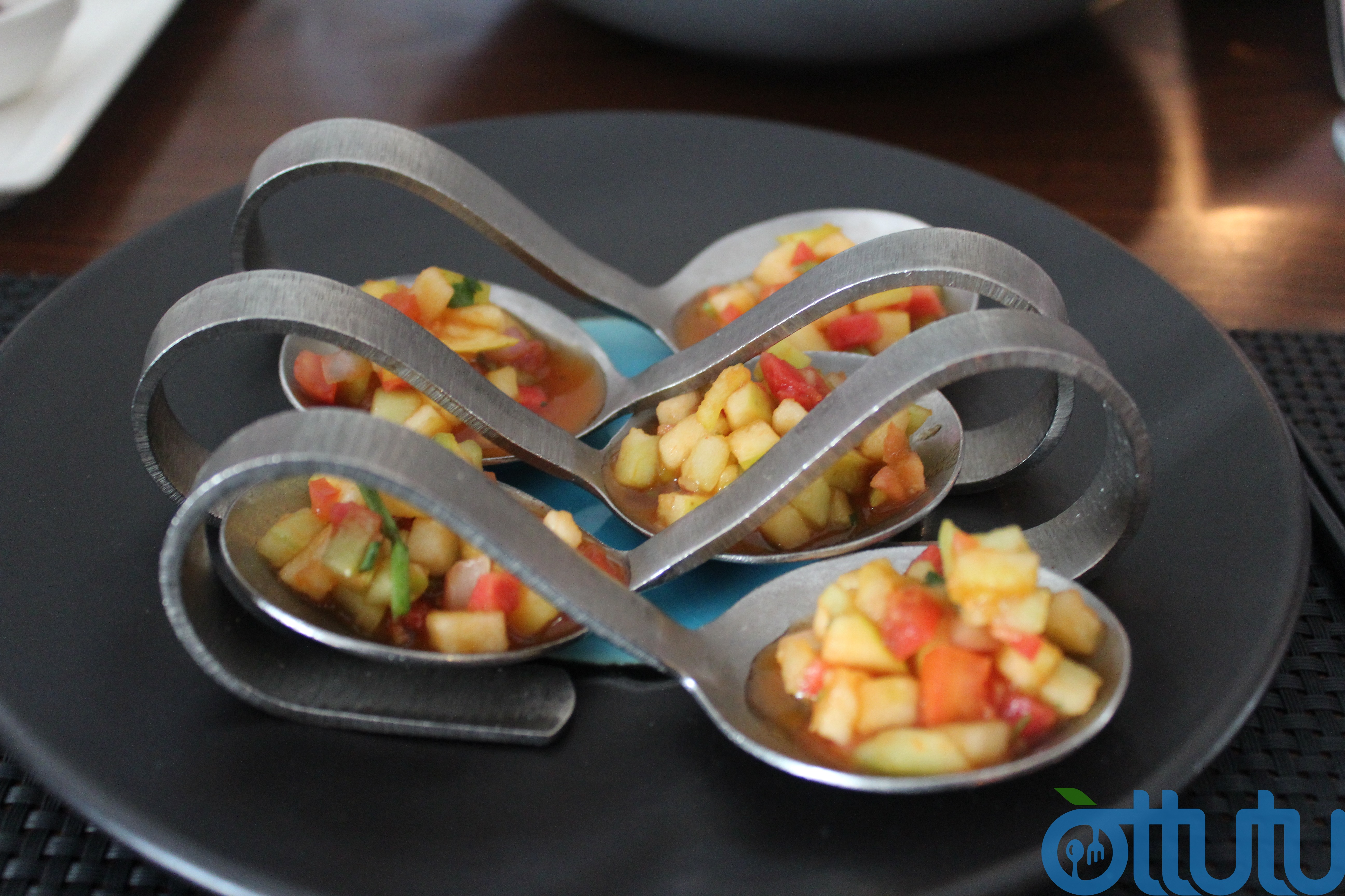 Fuchsia Kitchen Complimentary Salad